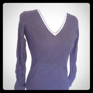 V-neck sweater - Like New